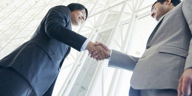 To improve customer loyalty, close the gap between marketing & sales
